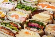 信州産食材にこだわった 多種類の「萌え断」サンド
