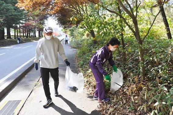 2011_topics_gomihiroi.JPG